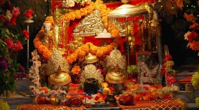 Maa-Vaishno-Devi-Temple-Jammu-Kashmir-800x445