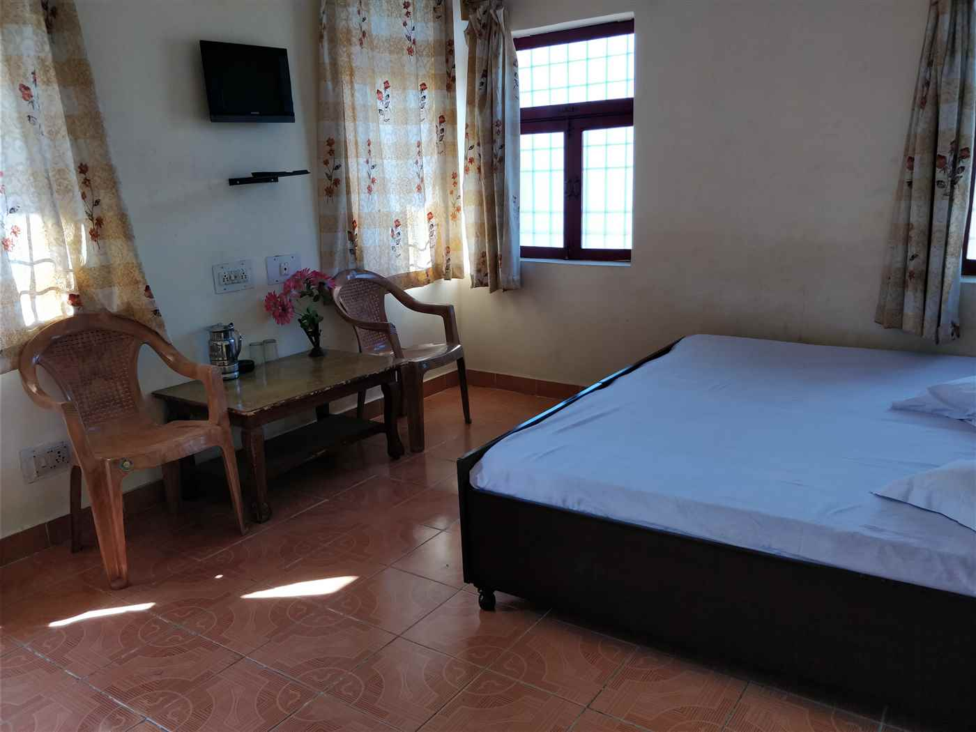 BEST GUEST HOUSE AT BIR BILLING @ 750/- ONLY