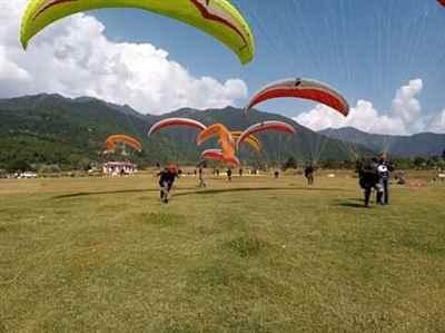 Paragliding at SkyCandy