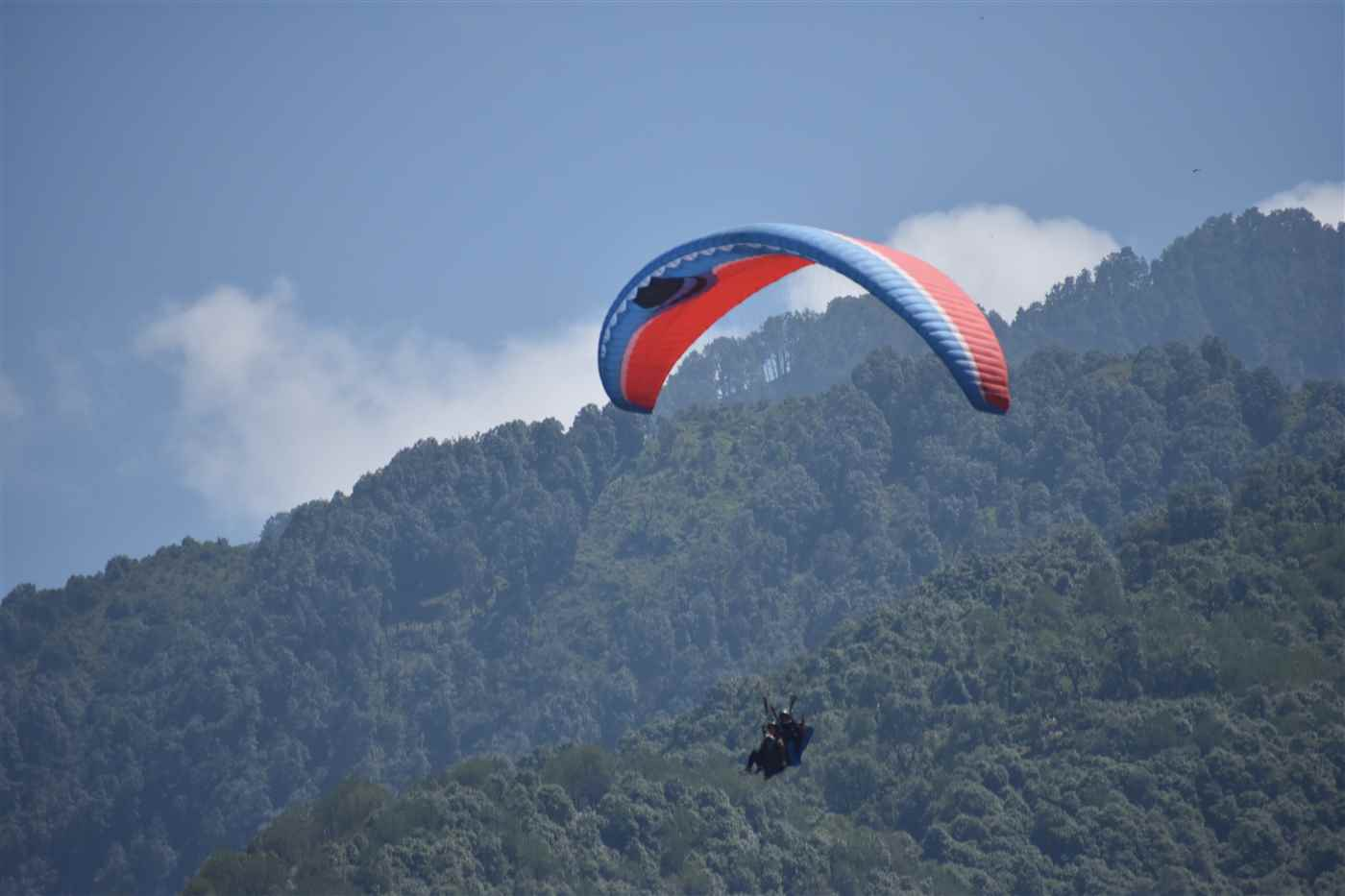 BEST PARAGLIDING AT BIR BILLING @ 1,950/- ONLY