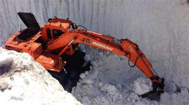 150408083833_kaghan_naran_landslide_snow