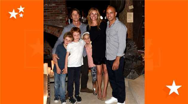 Julia Roberts makes rare appearance with family