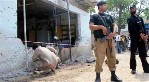 two-security-officers-killed-six-injured-in-peshawar-blast