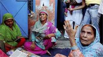 Dadri lynching: Victim's family meets UP CM