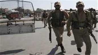 कश्मीर : आतंकवादी हमले में पुलिस अधिकारी घायल
