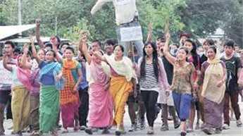 मणिपुर हिंसा में 3 की मौत, कई घायल