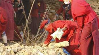 जलजले में उजड़े नेपाल को संवार रहीं नन