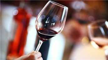 Diabetic? Daily glass of red wine can improve heart health