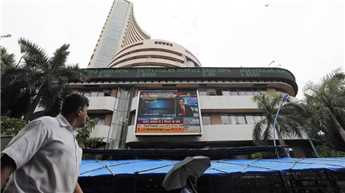 Banking sector boost markets, Sensex up 427 points