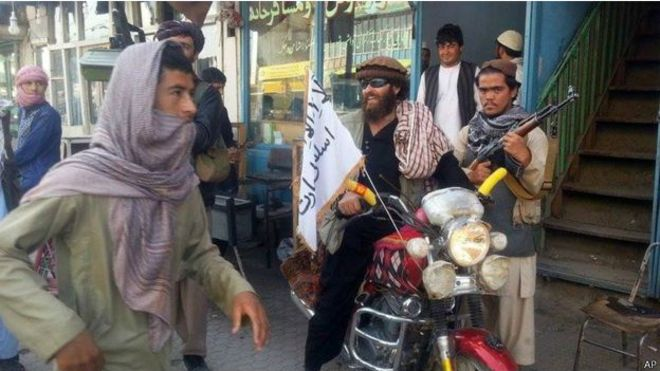 150930053816_taliban_fighters_some_displaying_the_taliban_on_the_streets_of_kunduz__624