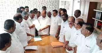 AIADMK forges alliance with PMK ahead of Lok Sabha polls