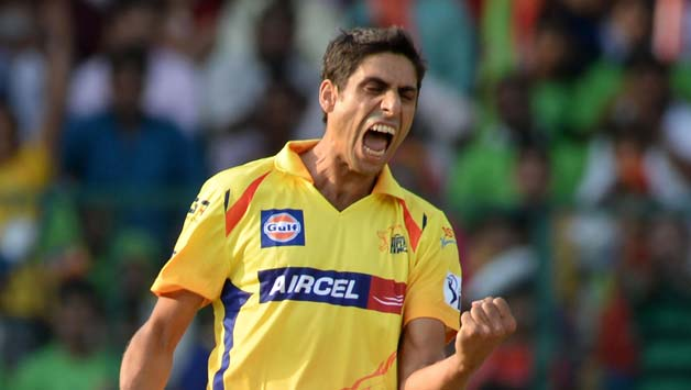 Chennai-Super-Kings-bowler-Ashish-Nehra-celebrate-fall-of-a-wicket-during-53rd-match-of-IPL-2014-between-Chennai-Super-Kings-and-Roy1