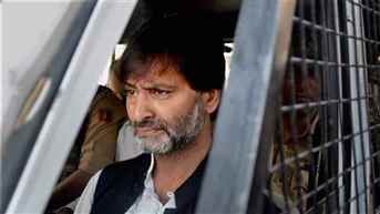 ED slaps over Rs 14 lakh penalty on Hurriyat leader Geelani