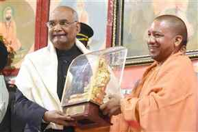 President Kovind visits Gorakhnath temple at Gorakhpur