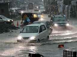 Rains-traffic-jam-63443