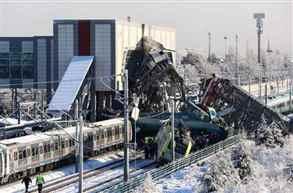 9 killed, 50 injured in Turkish train crash