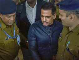 Robert Vadra appears before ED for 5th time