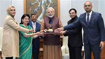 Marketing Guru Philip Kotler congratulates PM Modi for leadership award
