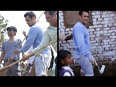 Salman Cleans Garbage For Swach Abhiyaan