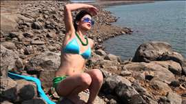 Sunny's Sensual Dip - Bikini Babes - Hot Photoshoot