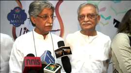 Gulzar Saab Launches Javed Siddiquis Book