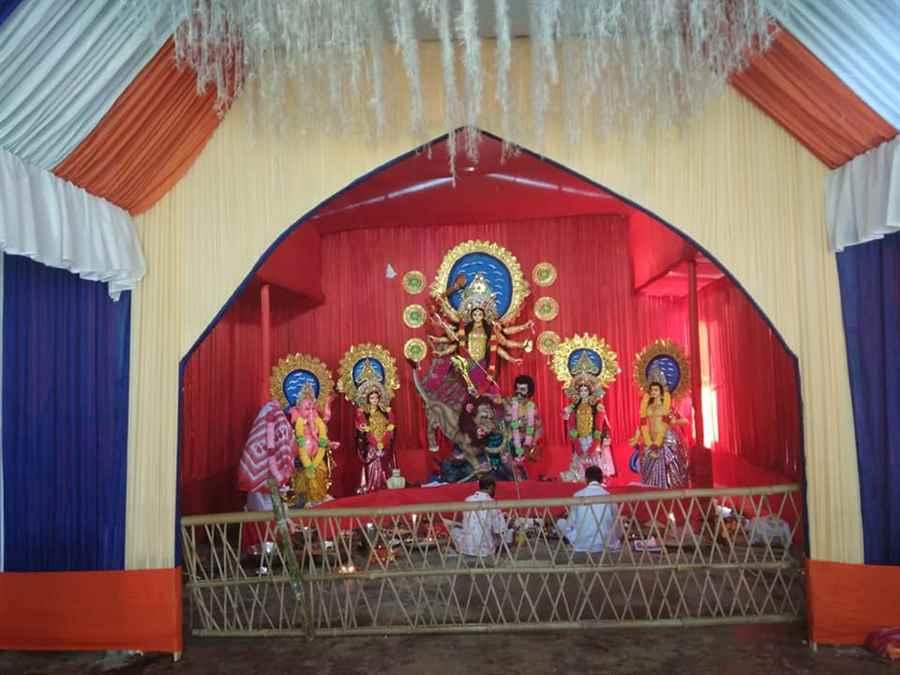 Sarbajanik Durga Puja Committee, Padumani T E