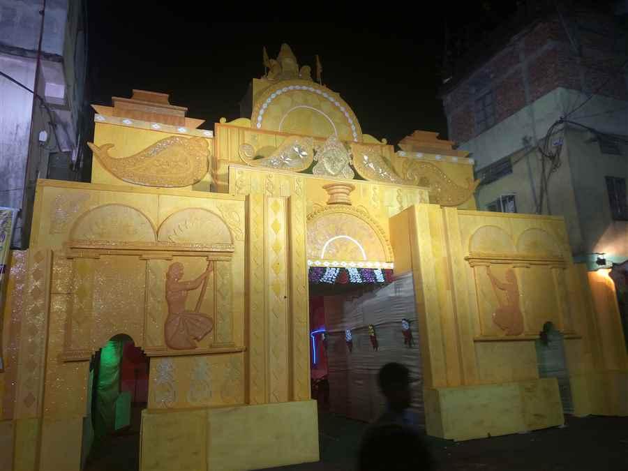 Rani Sati Durga Puja Pandal