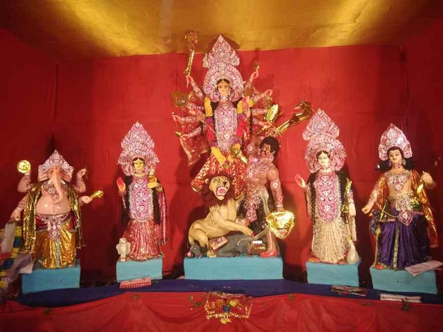 Durga Puja Near Netaji Statue