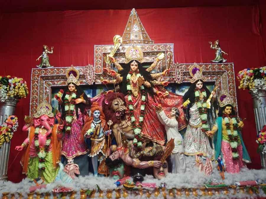 Sarbajanin Durga Puja Committee Vivekanand Club- VIP Road