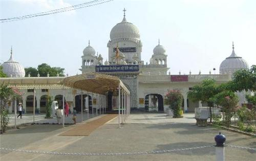 Mazaar of Pir Baba Haji Rattan