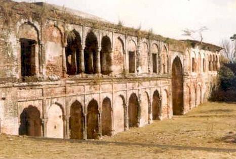 Sujanpur Fort at top of the Tira