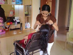 Best Beauty Parlours in Agra