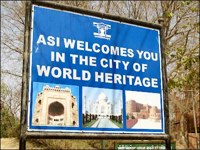 How to Reach Taj Mahal Agra Railway Station