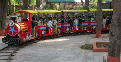 Facilities and Rides at Vintage Fun World Park in Ahmedabad