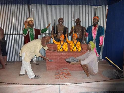 Statues at Sikh Museum
