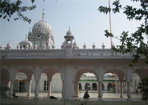 Gurudwara Amb Sahib at Ajitgarh
