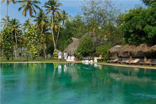 Marari Beach Resort Address
