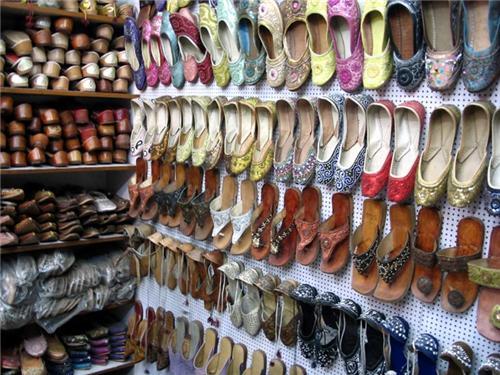 Ladies Footwear Aligarh