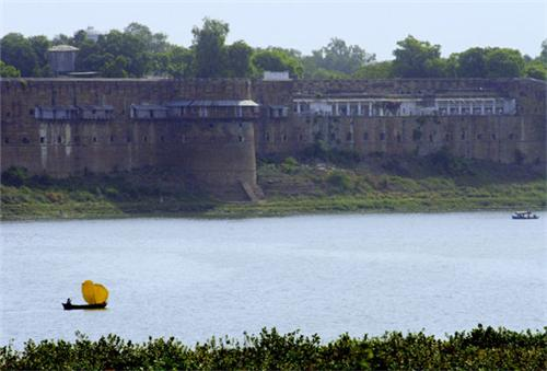 Allahabad Fort Location