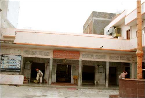 Gurudwara Pakki Sangat Allahabad Address