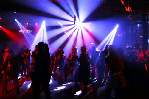 Entertainment at Pubs and Discotheques in Anand