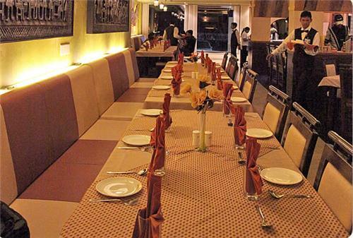 Dining Facilities at Hotel La Casa Inn in Anand