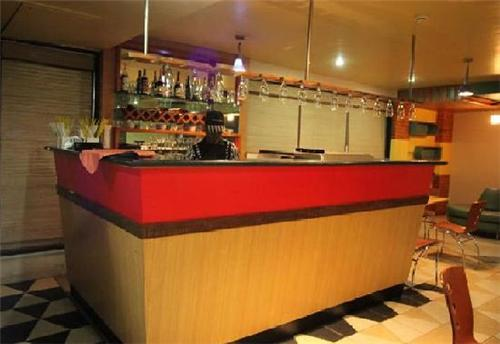 Bar Counter at Hotel La Casa Inn in Anand