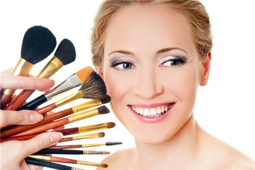Life Style Beauty Parlours in Anand