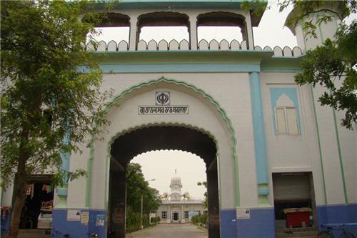 Nanaksar Guruduwara Thath In Barnala