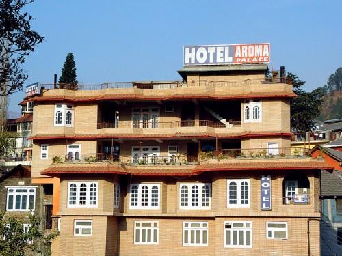 Hotel Aroma Palace in Chamba