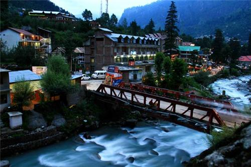 The Beautiful View of Manali  at Night