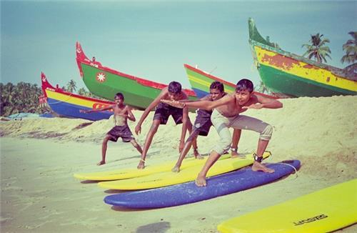 Surfing in Chennai Covelong Beach