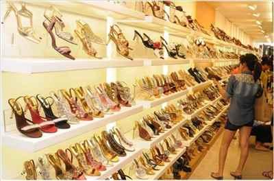 Shopping in Rajim