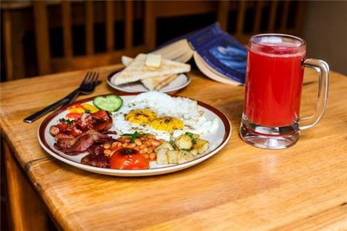 Breakfast at the 154 Breakfast Club